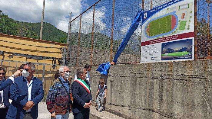 """A Giffoni Valle Piana ieri posa della prima pietra per lo stadio Troisi, il sindaco: """"Saremo fiore all'occhiello della provincia"""""""