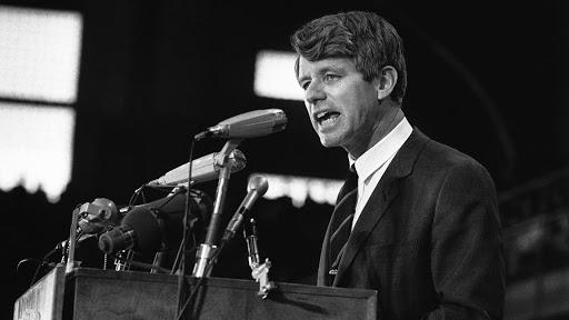 Accadde oggi: il 6 giugno 1968  l'addio al senatore americano Robert Kennedy, ucciso mentre si preparava per le presidenziali degli States