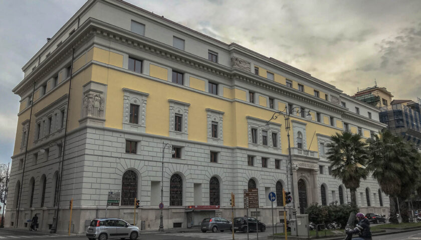 Palazzo delle Poste a Salerno, indagati i Rainone. No al sequestro dell'edificio