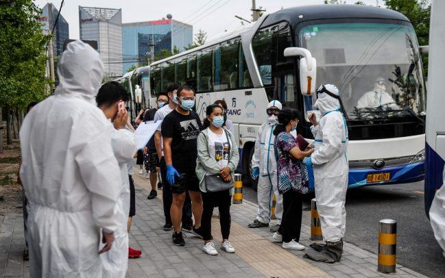 Covid 19, a Pechino i contagiati diminuiscono ma c'è sempre preoccupazione