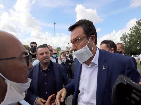 """Salvini a Napoli, aria di contestazione: """"I meridionali e i napoletani che lo votano sono lo"""" scuorno"""" della nostra terra"""""""