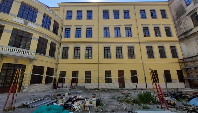 Al liceo Tasso di Salerno consegna di due sanificatori
