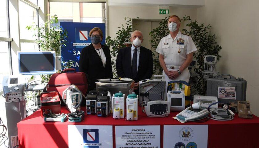 Covid 19, la Marina Militare americana consegna apparecchiature mediche alla Regione
