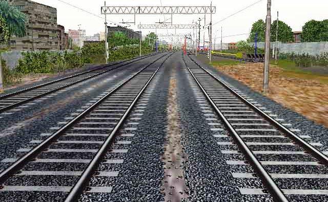 Uomo cammina sui binari a Sarno e rischia di essere investito da un treno, provvidenziale la frenata del macchinista