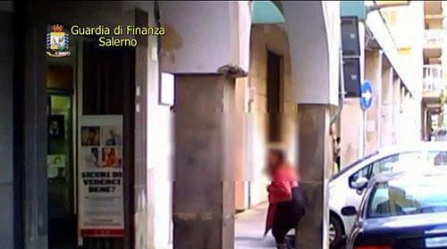 Cava de' Tirreni, per il Riesame la donna accusata di truffa è veramente cieca: restituiti i 73mila euro