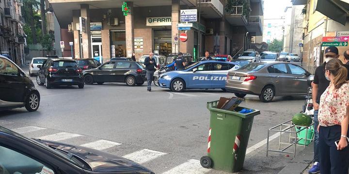 Allarme bomba in piazza Galdi a Fratte