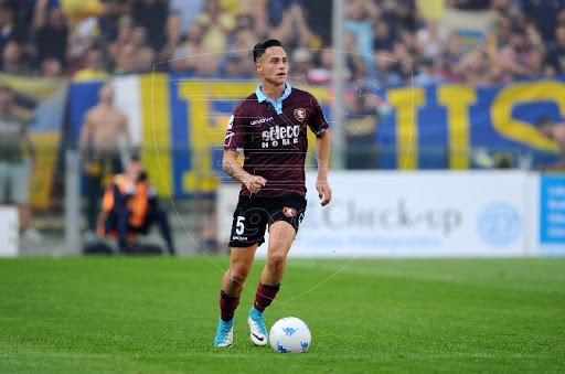 Ufficiale: Il difensore Mantovani rinnova il contratto con la Salernitana