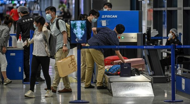 Covid 19, nuovo focolaio in un mercato a Pechino: scatta il lockdown