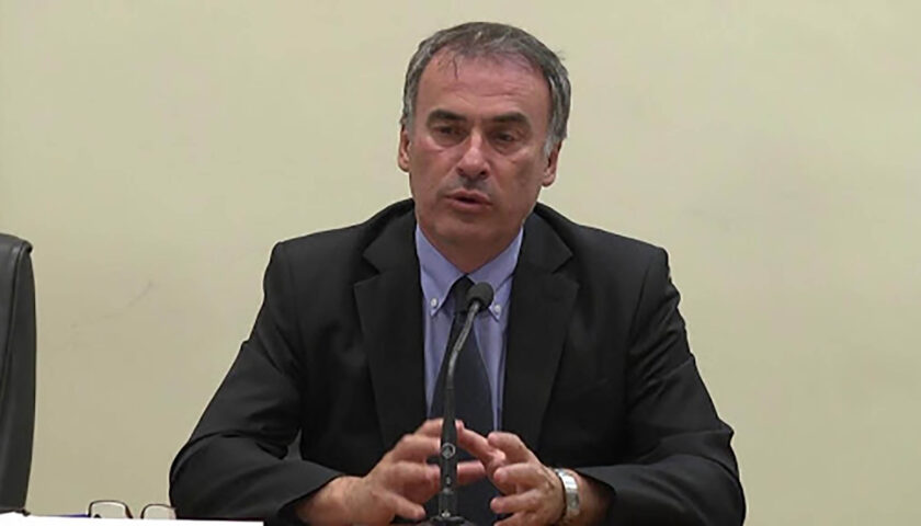 """Covid 19, Ranieri Guerra: """"Rischiamo 4mila casi al giorno, bisogna fare come il Governatore della Campania De Luca"""""""