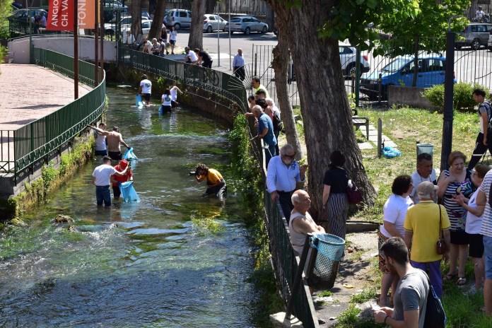 Un quintale di rifiuti raccolto nel Rio Palazzo a Sarno