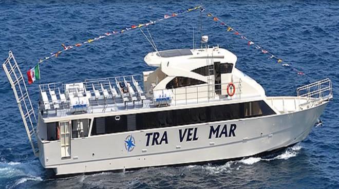 Amalfi. Il VIDEO dell'attracco delle prime navi nel porto.