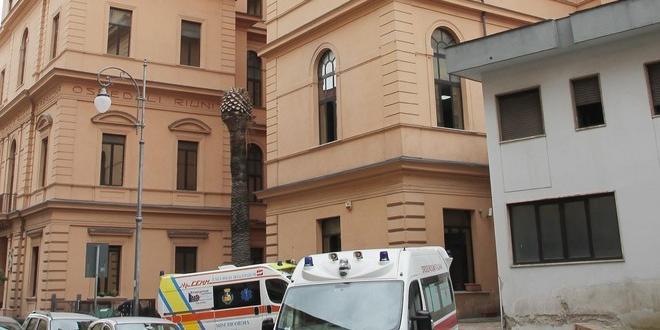Covid 19, positivo un medico del 118 in servizio in via Vernieri a Salerno