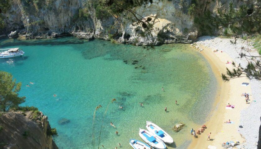 Palinuro, ordinanza del sindaco di Centola: interdetta la spiaggia del Buondormire