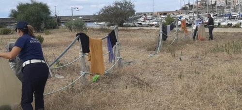 Smontata baraccopoli sulla spiaggia delle Barche a Marina di Camerota
