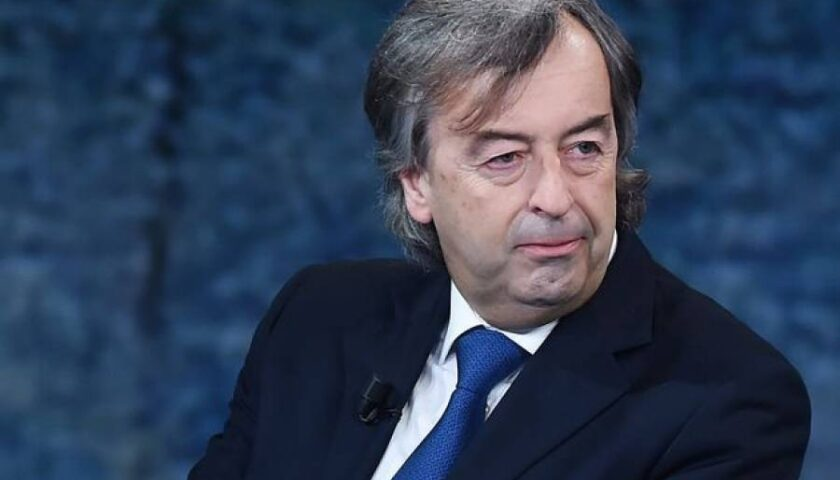 Burioni, rese note le procedure del vaccino Covid: non era mai successo