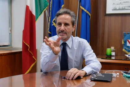"""Caldoro torna ad attaccare De Luca: """"E' un truffatore politico"""""""