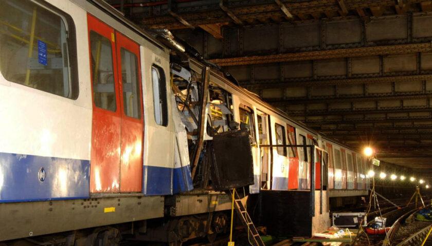 Accadde oggi: il 7 luglio 2005 le bombe del terrorismo islamico sconvolsero Londra con 52 morti e 700 feriti