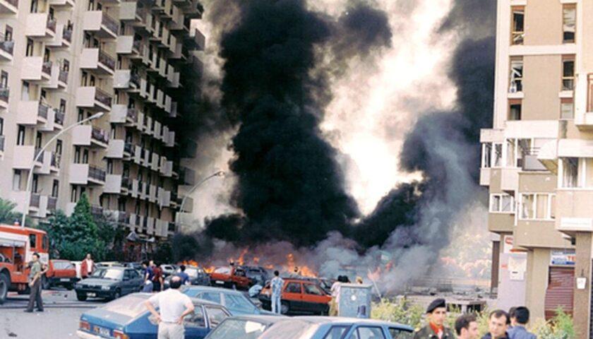 Accadde oggi: il 19 luglio del 1992 la strage di via D'Amelio a Palermo: assassinati dalla mafia Paolo Borsellino e i 5 agenti della scorta