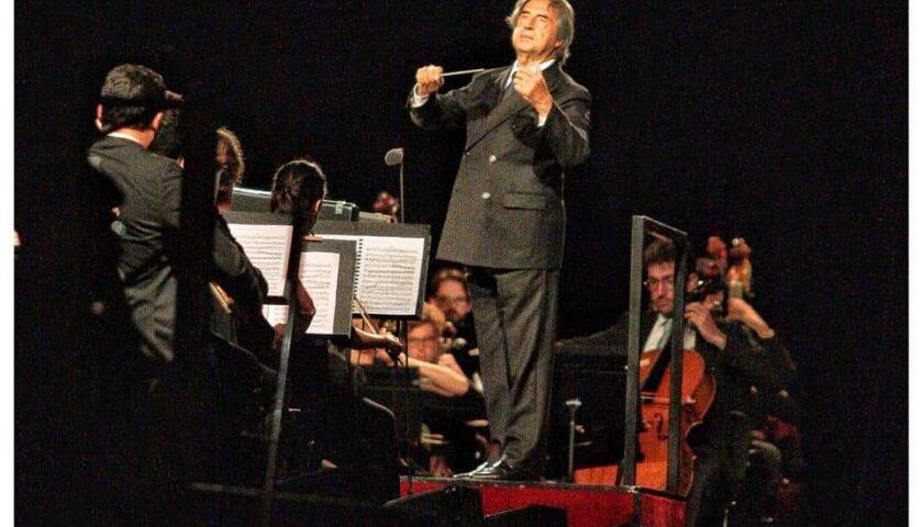 """""""Le Vie dell'Amicizia"""": Riccardo Muti incanta Paestum, il concerto sarà trasmesso su Rai Uno Giovedì 23 luglio alle ore 23.15"""