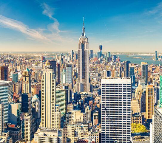 Versano la caparra per un viaggio di studi a New York ma il Covid li blocca: 10 liceali salernitani si rivolgono al Tribunale