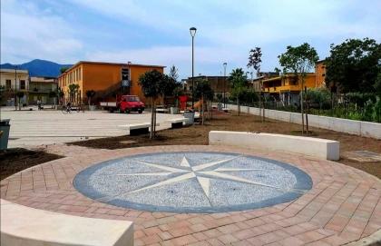 A Lavorate di Sarno nasce la piazza intitolata al filosofo Luciano De Crescenzo