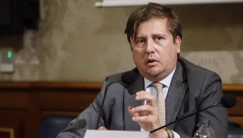 """Covid 19. Multe di mille euro a Salerno e in Campania per chi è senza mascherine, il vice ministro Sileri: """"Le regole van no rispettate"""""""