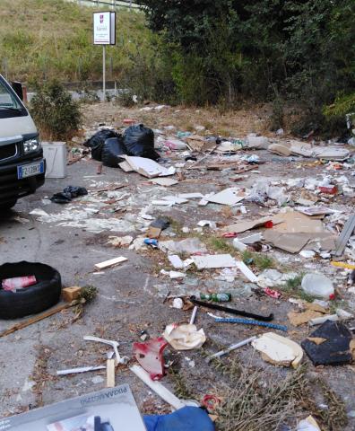 Salerno Pulita bonifica area di via Paradiso di Pastena: nel 2019 eseguiti 6mila interventi straordinari