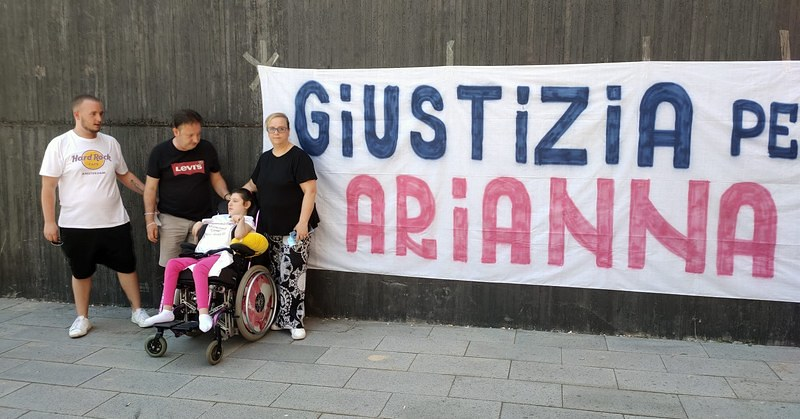 Ipovedente, tetraplegica e sorda dopo le cure in ospedale: a Cava de' Tirreni i genitori di Anna Manzo iniziano lo sciopero della fame