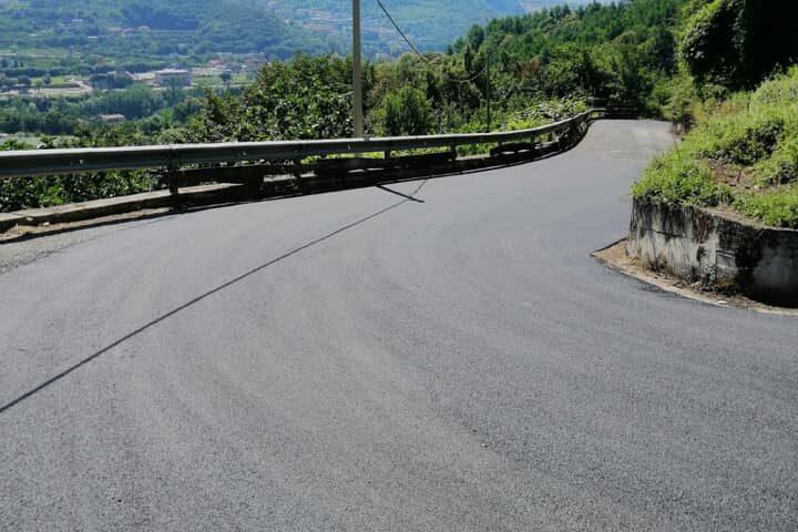 Dopo anni di attesa le strade di località Grotte/Casignano a Pellezzano tornano ad essere percorribili