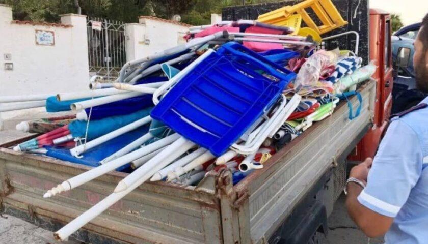 """""""Spiagge sicure"""" ad Ascea: nuovo sequestro di ombrelloni e sdraio"""