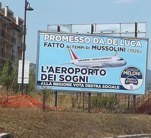 """Manifesto a Salerno che inneggia Mussolini contro De Luca, insorge l'Anpi: """"Vergogna"""""""