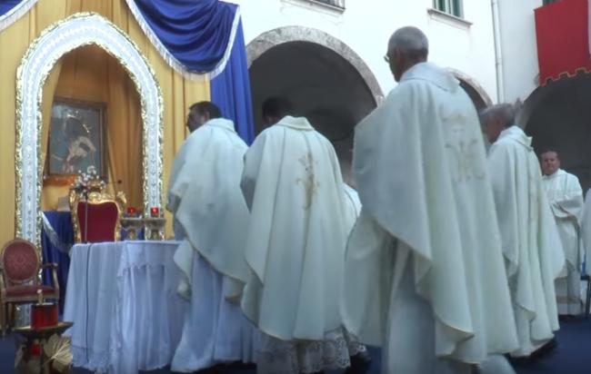 Festa patronale a Cava de' Tirreni, per l'emergenza covid annullati tutti gli eventi: solo celebrazioni religiose organizzate dai frati Filippini