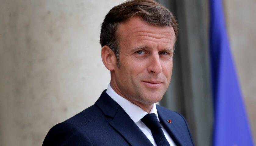 Il presidente francese Emmanuel Macron positivo al Covid