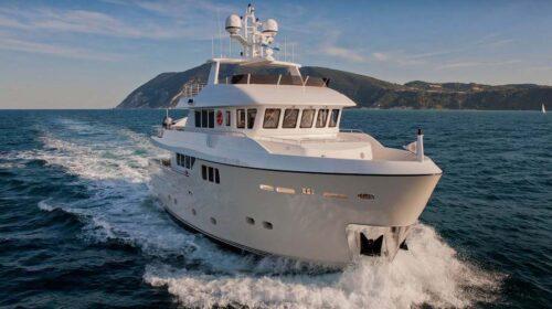 A Palinuro approda lo yacht Stella del Nord di Andrea Bocelli