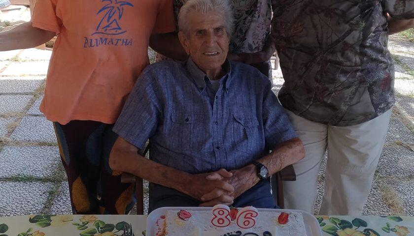 Lutto a Salerno, muore Giovanni Ugatti: se ne va un simbolo dello sport, aveva 87 anni