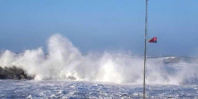 La protezione civile Campania: allerta meteo con venti forti e mare agitato fino alle 14 di venerdì