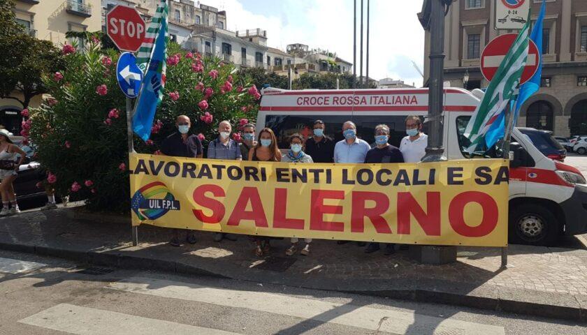 Sanità Privata: Sit-in di Uil Fpl e Cisl Fp davanti la prefettura di Salerno per il rinnovo dei contratti