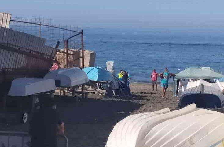 Choc a mare in via Leucosia a Salerno, cadavere di un uomo in acqua
