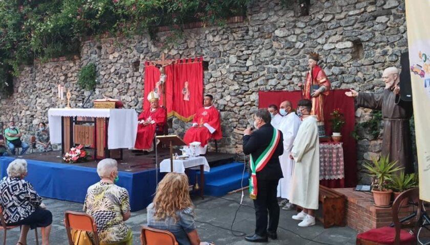 Il Vescovo Bellandi presente ieri alla cerimonia in onore di San Lorenzo a Giffoni Valle Piana