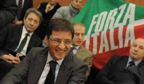 Accusato e condannato per appoggio ai Casalesi, l'Appello assolve Nicola Cosentino