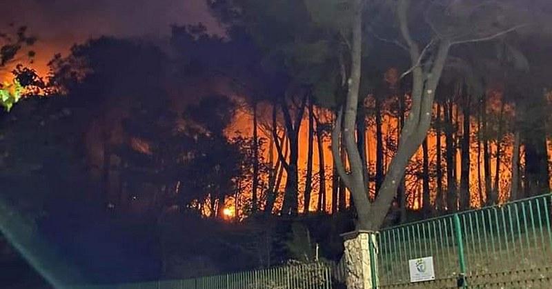 """Incendi a Sarno, il sindaco Canfora: """"Siamo sotto attacco di mani criminali"""""""