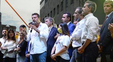 """Salvini da Napoli: """"Porteremo i campani emigrati a lavorare a casa loro"""""""