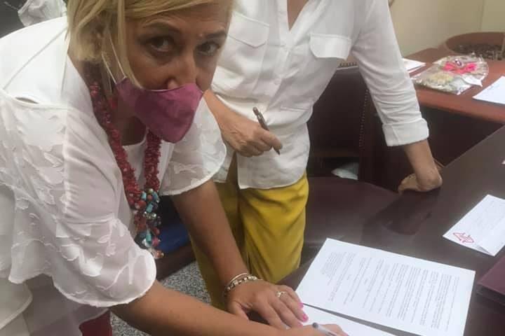 Battipaglia, la professoressa Francesca Giugliano nuovo assessore della Giunta Francese