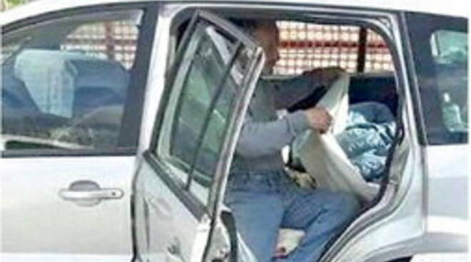 Promessa non ancora mantenuta, famiglia di Cava de' Tirreni vive ancora in auto