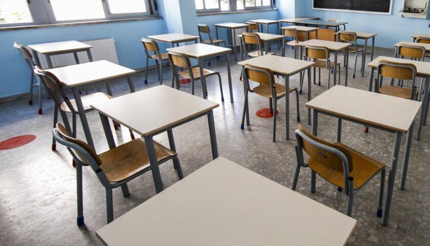Niente banchi monoposto, il liceo Gatto di Agropoli non riapre