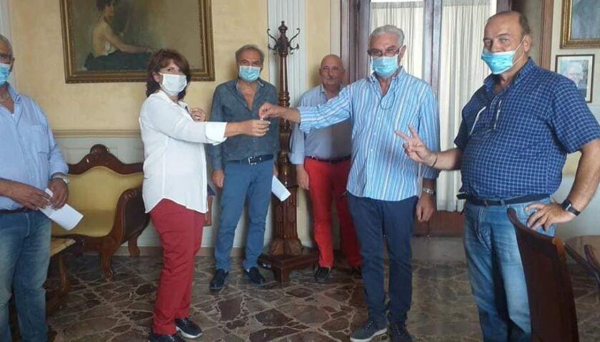 Sarno, il sindaco consegna all'Asl le chiavi della struttura di Via Sarno-Palma confiscata alla camorra