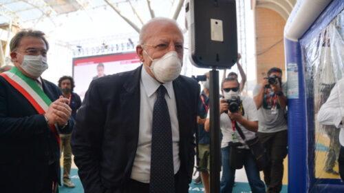 """De Luca: """"Ha vinto la Campania dei fatti, non di chi aggredisce e dice menzogne"""""""