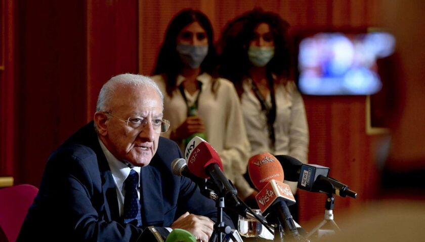 """Attacchi alla Campania, De Luca: """"Siamo l'unica regione nella quale si valuta prima se le critiche sono utilizzate contro di me"""""""