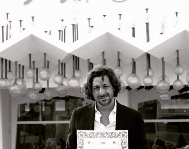 Riconoscimento per il salernitano Yari Gugliucci al Festival del cinema di Venezia, gli auguri del sindaco Napoli