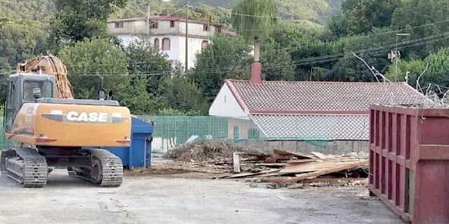 Cava de' Tirreni, abbattuto il vecchio ristorante il Riccio